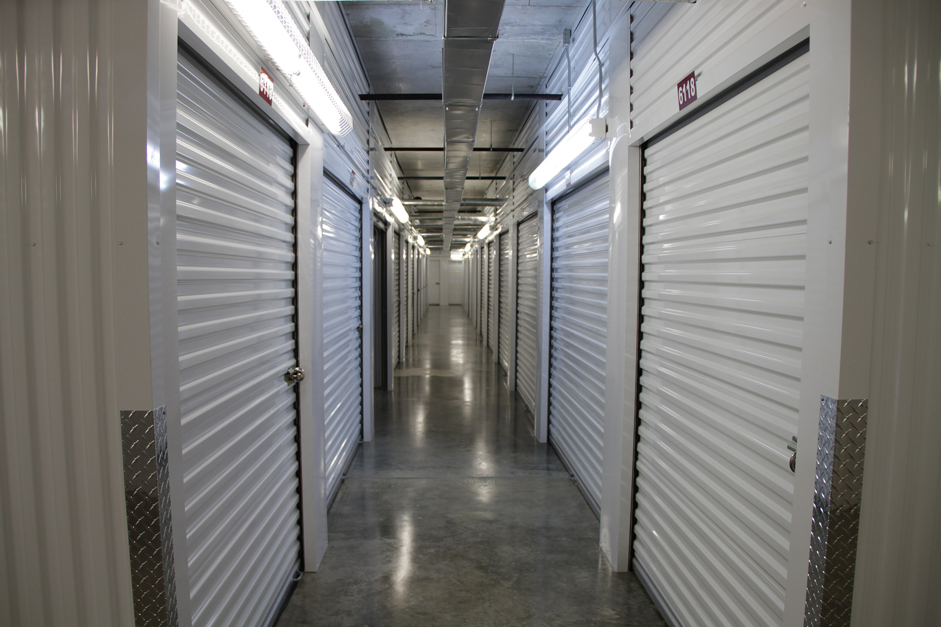 Houston Self Storage Tips – Storing Your Seasonal Clothing